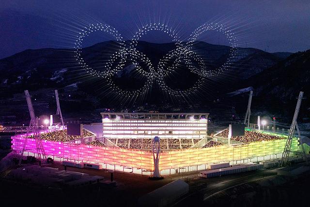 インテルが平昌オリンピック開会式で1,218機のドローンによる光の ...